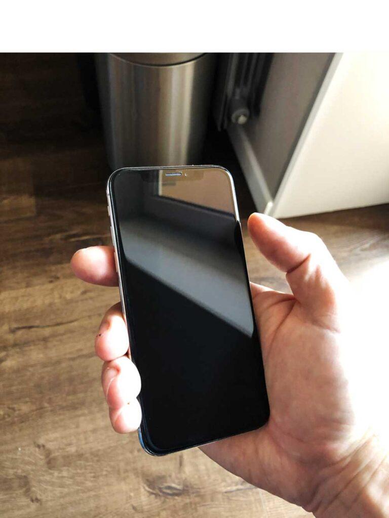 Замена экрана IPhone 11 Pro Max до и после ремонта 25-09-2022