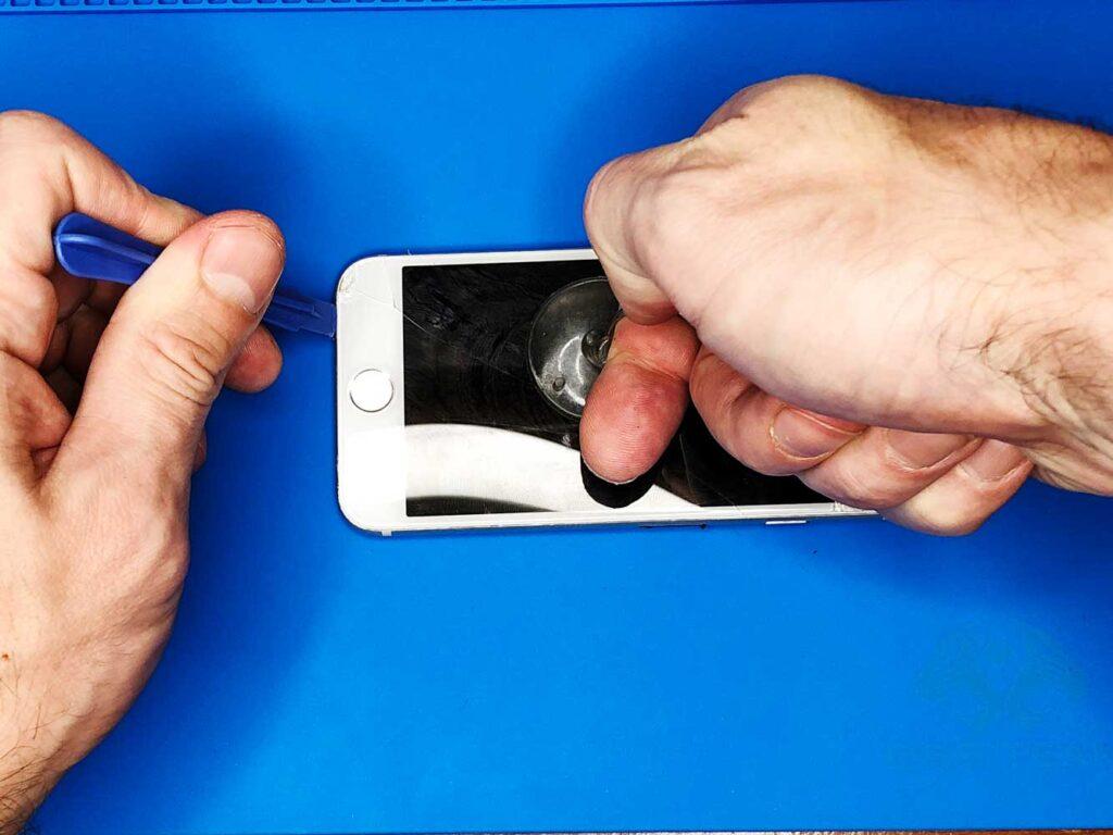 Вскрытие IPhone 7