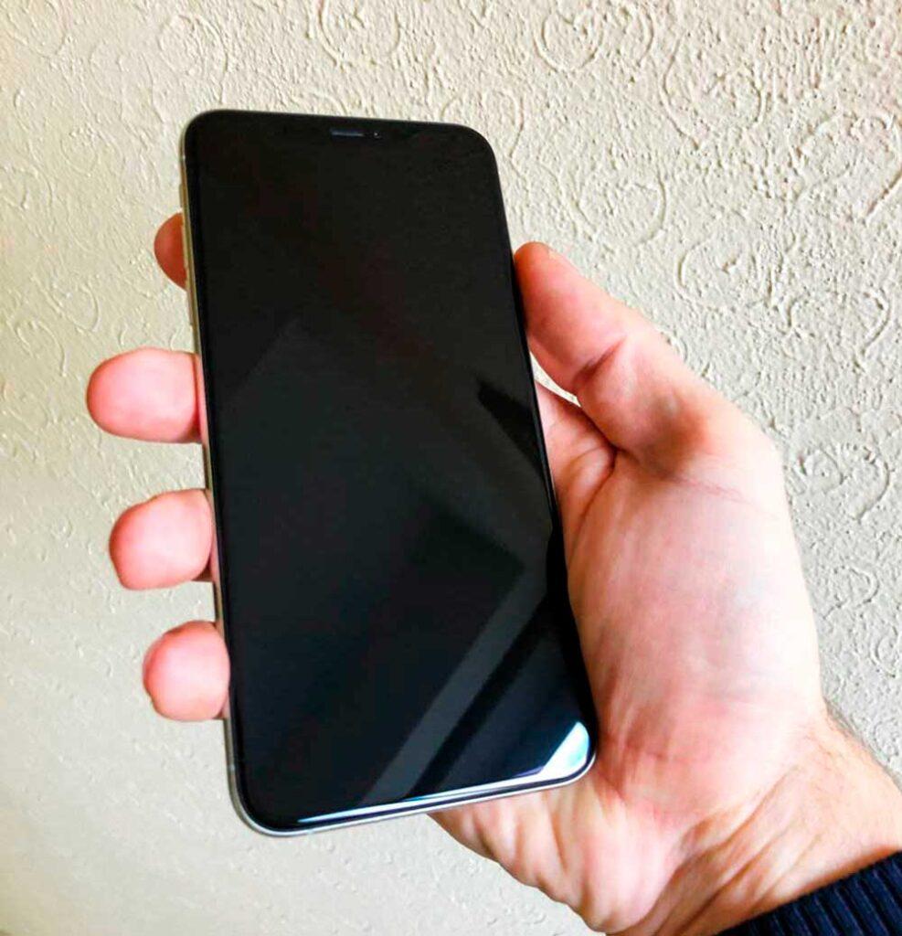 Замена экрана IPhone Xs max33