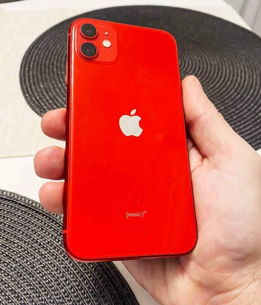 Какой IPhone лучше купить