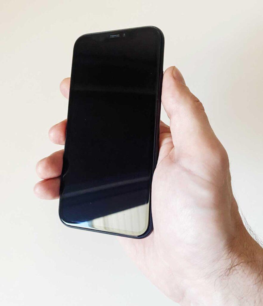 Что делать если не включается IPhone?