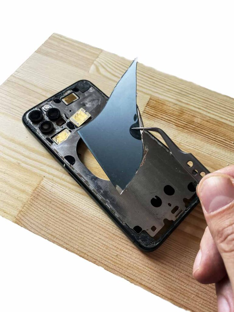 IPhone 11 pro снятие заднего стекла