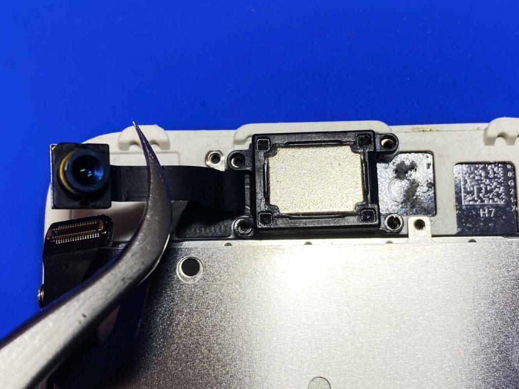 Откручиваем камеру IPhone