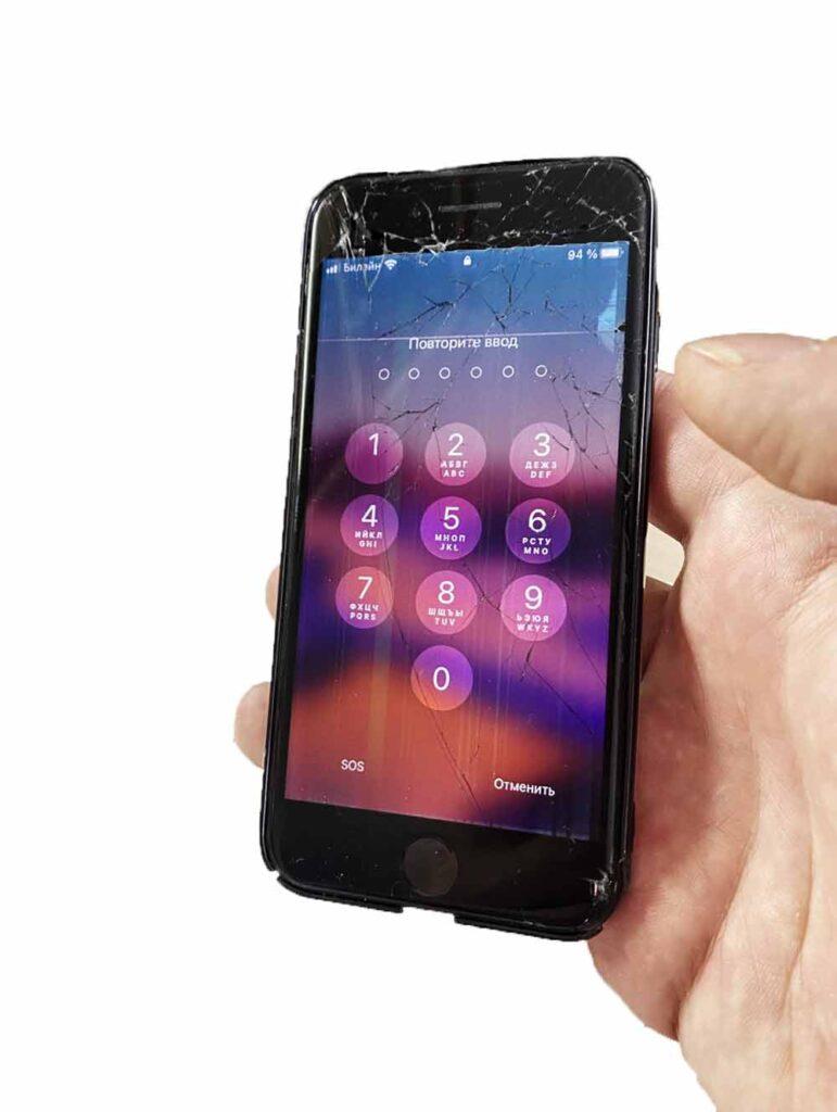 Разбитый IPhone 6S Plus